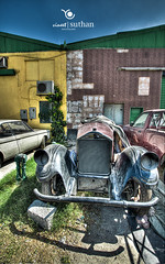 Vintage Cars 01|Dubai HDR Photographer (vineetsuthan) Tags: houses cars vintage dubai photographer hdr nikond300s vineetsuthan