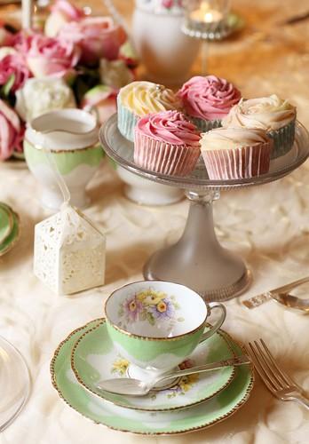 Cupcakes & Vintage Crockery