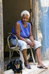(Artypixall) Tags: portrait dog cat havana cuba doorway oldwoman lahabana