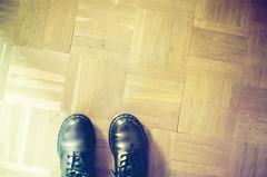(Valentina Campos T. ) Tags: madrid 3 luz pie alone forever doc pequeo martens