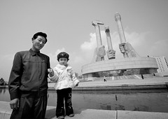 Happy in Pyongyang Monument to the Founding of the Party, North Korea (Eric Lafforgue) Tags: war asia korea asie coree northkorea dprk coreadelnorte nordkorea 4724 북한 北朝鮮 корея coreadelnord 조선민주주의인민공화국 северная insidenorthkorea 朝鮮民主主義人民共和国 rpdc βόρεια kimjongun coreiadonorte เกาหลีเหนือ