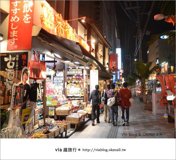 【沖繩必買】跟via到沖繩國際通+牧志公設市場血拼、吃美食!2