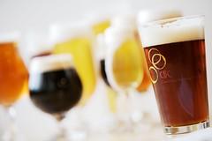 ビールとグラスワイン