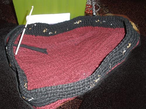 Crocheting a bag
