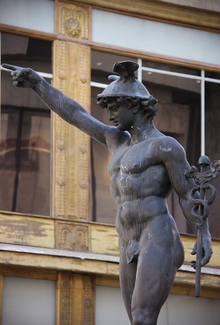 Hermes near Vaci utuca