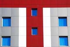 T-red (montel7) Tags: windows geometry symmetry finestre