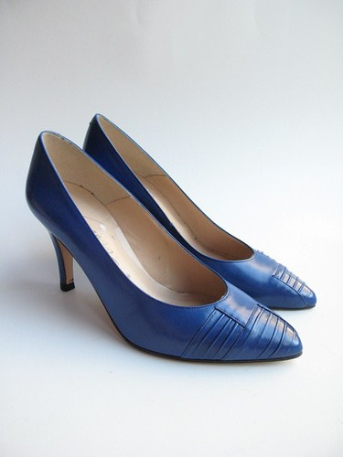 blue pintuck pumps
