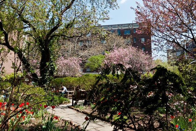 St. Luke's Gardens