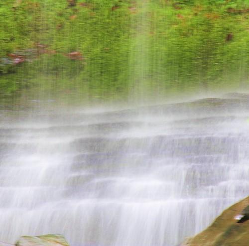 5756611321 6535475465 water falls .