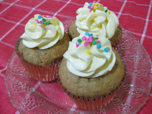 Banana CUpcake with cream cheese frosting