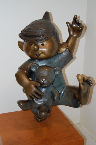 Dennis the Menace Statue