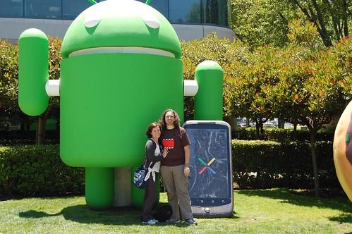 Manmely e Ipaelo en la sede de Google