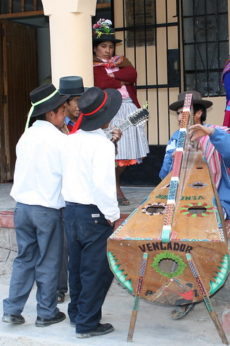 Musical performers in Huamanquiquia