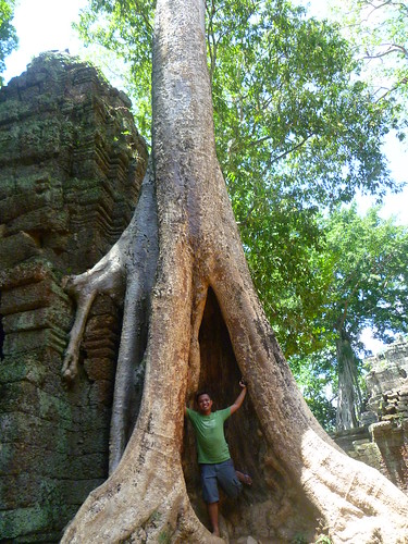 Seeing & climbing the temples of Angkor