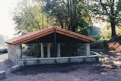 ANO 1997: Rehabilitacin da fonte do Regueirio polo Concello de Sandis  (Abril 1997) (Xav Feix) Tags: obras concellodesandis sandis mellora rural ourense limia galicia memoria 1997
