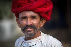 Inde: les Rabari du Rajasthan. (claude gourlay) Tags: inde india asie asia indedunord northindia claudegourlay indien indija indland turban jojawar rajasthan portrait retrato ritratti ritratto rabari rebari raibari