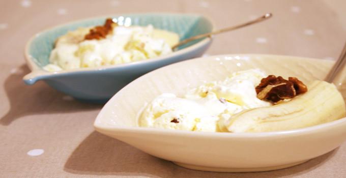 Vaniljsemifroddo glass med valnötter & choklad