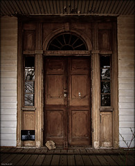 Doorway to a misplaced past (History Rambler) Tags: old house brick abandoned home rural virginia decay south historic plantation weathered antebellum federal decayed oldglass wavyglass mecklenburgcounty notraspassing early1800s thesignwasnotonthetreethistime