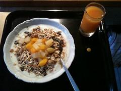 Frukost 1/4 (Atomeyes) Tags: juice mat yoghurt frukost vitamin msli