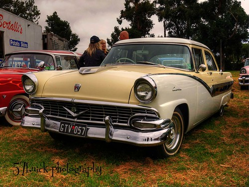 1957 Ford Customline