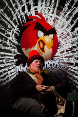 Angry bird (Mauritzson Foto) Tags: red portrait people man copenhagen denmark spring april portratt stroget angrybirds fotosondag fs110410