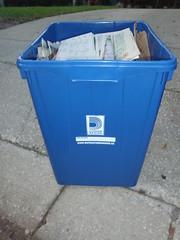 Durham Region, CA Recycle Bin (GatorJake12) Tags: canada 22 durham bin recycle region scepter gallon