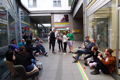 Sekt/Aperol/Geri bei The Office in der Kaiserpassage am 9.4. 2011 -- kaiserpassage-1070892