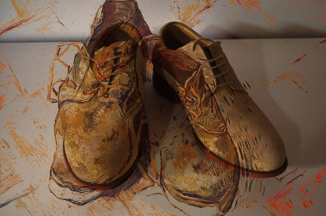 Shoes, Vincent van Gogh, 1888 + Foto dos sapatos do Fotógrafo 2011;