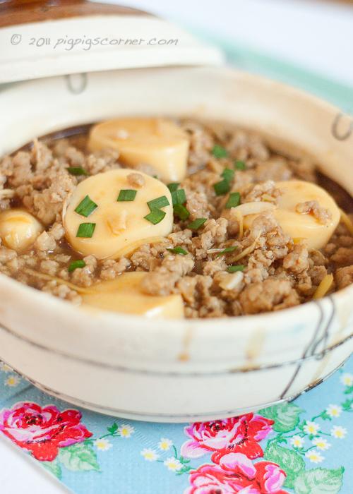Japanese Tofu with Enoki Mushroom and Minced Pork
