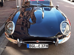 Jaguar ~ (rotraud_71 away again ~) Tags: car reflections jaguar 1970 reflexions oldie etype streetshot 2011 bej vanagram