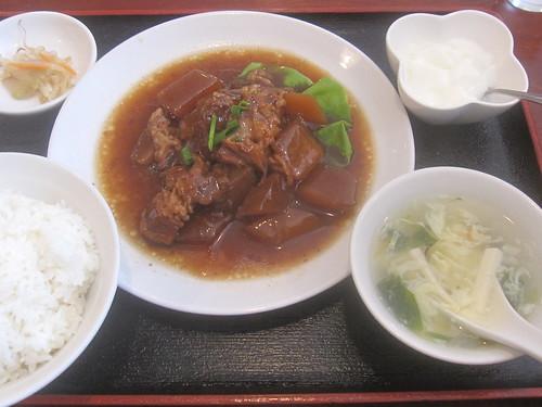 豚バラ肉と大根のしょうゆ煮込み680円