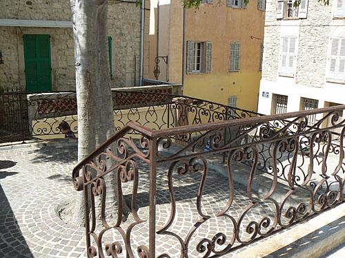 escaliers à Antibes.jpg
