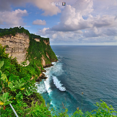 Indian Ocean from Uluwatu Bali (naza.carraro) Tags: ocean trip travel bali holiday tourism rock photoshop indonesia island hotel jumping inn nikon indian wave uluwatu sulu pulau garuda hindi kecak riff cs4 indon airasia kecakdance d90 naza capturenx baliness lautan vertorama tokina1116 naza1715 nazarudinwijee