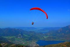 111 - April 21 2011 - like a bird (Kristoffersonschach) Tags: sky canon powershot paraglider mondsee g12 stgilgen zwölferhorn wolfgangssee 3652011 2011inphotos