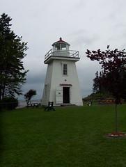 Phare au Nouveau-Brunswick (JeanLemieux91) Tags: new summer lighthouse august brunswick des atlantic nouveaubrunswick t phare maritimes 2007 aot provinces altantique