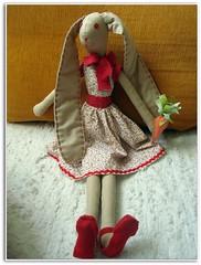 Boa Pscoa!! (Luluzinha por Luiza Cavalcante) Tags: artesanato dinha pascoa cenoura coelha travesseirinho artesanatoemtecido
