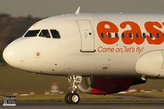 G-EZBC - 2866 - Easyjet - Airbus A319-111 - Luton - 101115 - Steven Gray - IMG_4579