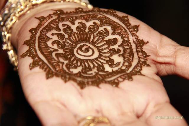 5661305196 e03e5186c7 z - Beautiful mehndi desings