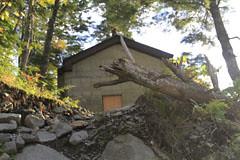 滝谷避難小屋