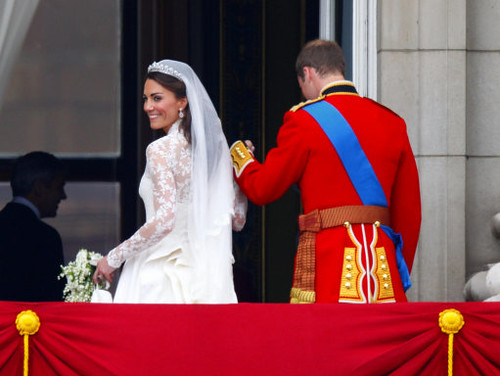 The Duke and Duchess leave the balcony
