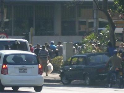 Agentes de la policia politica detiene a Ferrer y demas activistas foto Roberto Guerra