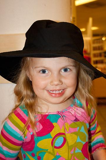 hatt två