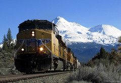 Big Mountain, Small Train (Patrick Dirden) Tags: california railroad up northerncalifornia train volcano rail unionpacific locomotive ge mountshasta mtshasta freighttrain siskiyoucounty gevo unionpacificrailroad weedca c45accte cougarca up5354