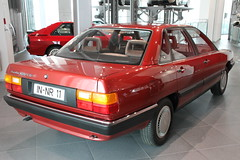Audi 100 (pilot_micha) Tags: auto car museum germany bayern deutschland bavaria oberbayern deu ingolstadt audi100 audiforum museummobile baujahr1983 11042011