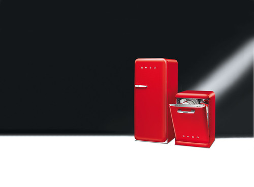red design fridge colours style dishwasher 50s freezer rosso kühlschrank refrigerators smeg anni50 50er lavastoviglie redfridge frigoriferi fab28 congelatori frigoriferocolorato colourfridge frigoriferorosso retrofridges kühlschranksmeg smeg50er kühlschrank50er