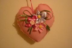 Sachê perfumado (Be Artes e Encantos) Tags: flores fuxico feltro presente sache fitas perolas decoraçao perfumado sachesperfumados comrendas