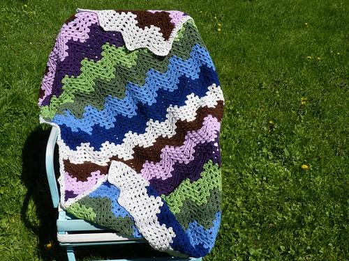 Pixel Ripple Blanket