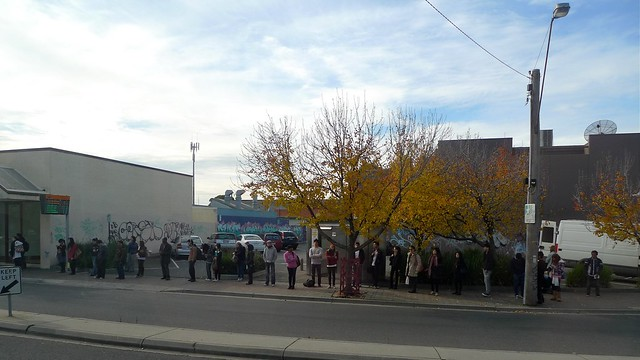 Queue for buses at Huntingdale