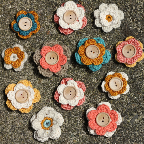 Crocheted flower hairclips.