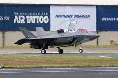 Touchdown (Al Henderson) Tags: jsf fairford lightningii airtattoo aviation riat f35b military gloucestershire f35 airshow lockheedmartin zm137 raf dunfield england unitedkingdom gb